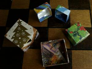 Make these nifty little boxes out of old Christmas cards!